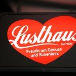 Lusthaus Herz bei Nacht (Bild: Wirtschaftszeit.at)